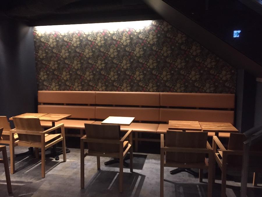 ジアレイ渋谷道玄坂店1階2人席