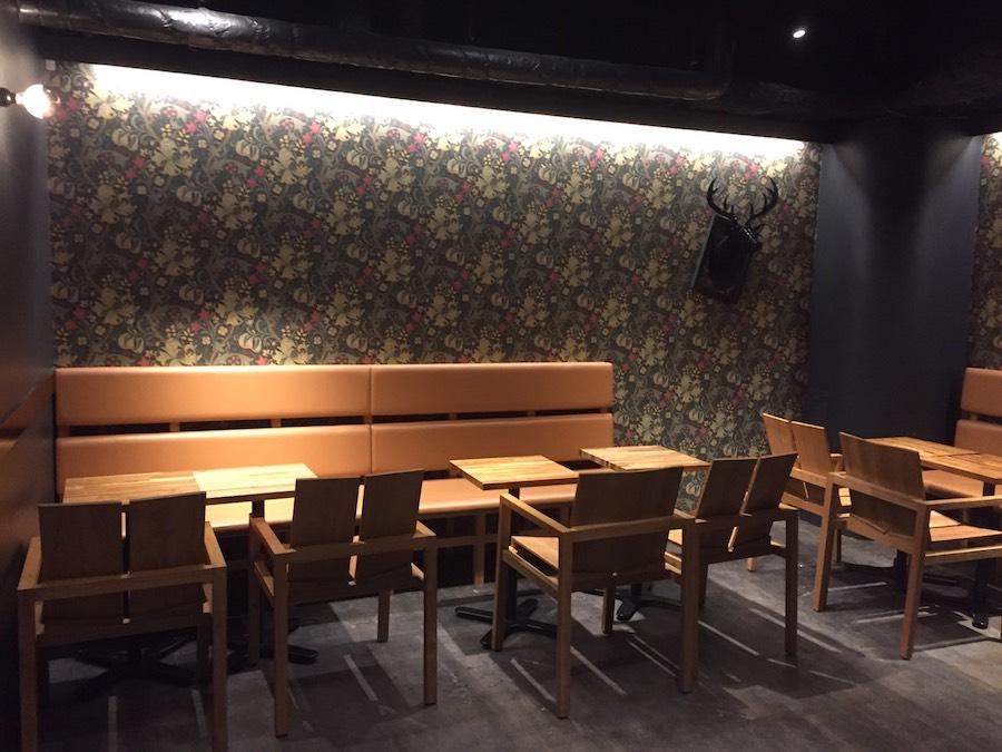 ジアレイ渋谷道玄坂店1階奥の席
